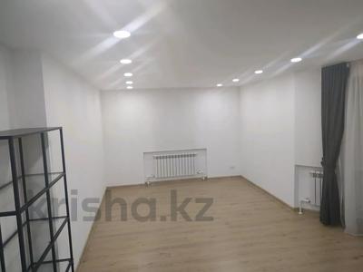 4-комнатная квартира, 160 м², 1/3 этаж помесячно, Жанибекова 92 за 270 000 〒 в Караганде, Казыбек би р-н — фото 17
