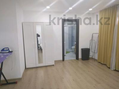 4-комнатная квартира, 160 м², 1/3 этаж помесячно, Жанибекова 92 за 270 000 〒 в Караганде, Казыбек би р-н — фото 4