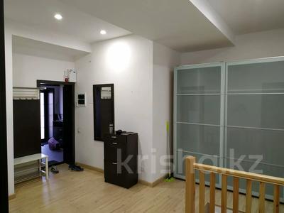 4-комнатная квартира, 160 м², 1/3 этаж помесячно, Жанибекова 92 за 270 000 〒 в Караганде, Казыбек би р-н — фото 5