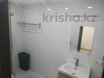 4-комнатная квартира, 160 м², 1/3 этаж помесячно, Жанибекова 92 за 270 000 〒 в Караганде, Казыбек би р-н — фото 9