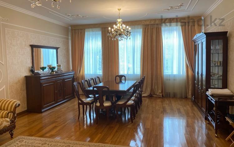 6-комнатный дом, 305 м², 7.5 сот., Таугуль 3 36 — Жандосова за 202 млн 〒 в Алматы, Бостандыкский р-н
