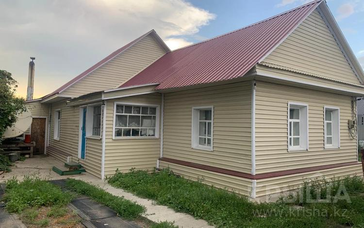 4-комнатный дом, 100 м², 10 сот., Каспийская за 12 млн 〒 в Усть-Каменогорске