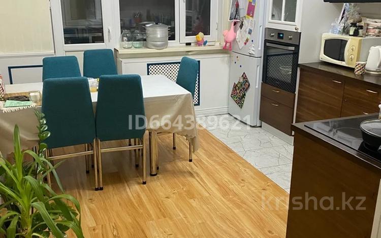 2-комнатная квартира, 80 м², 4/6 этаж, Кургальжинское шоссе 23 за 25 млн 〒 в Нур-Султане (Астана), Есиль р-н