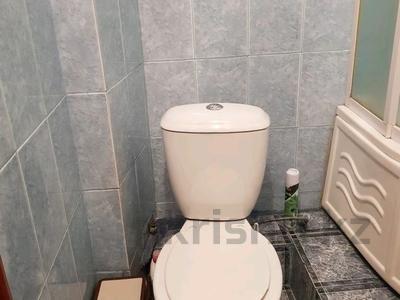 1-комнатная квартира, 31 м², 3/5 этаж посуточно, улица Новаторов 15 за 6 000 〒 в Усть-Каменогорске