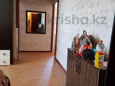 3-комнатная квартира, 62 м², 4/5 этаж помесячно, Самал за 80 000 〒 в Талдыкоргане — фото 3