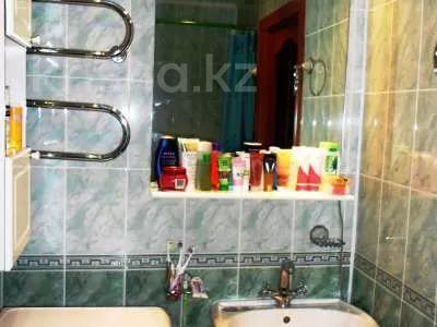4-комнатная квартира, 62 м², 4/5 этаж, Айманова за 11 млн 〒 в Павлодаре — фото 2
