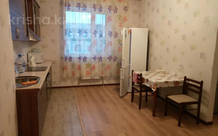 1-комнатная квартира, 37 м², 8 этаж помесячно, Мангилик Ел 17 — Алматы за 100 000 〒 в Нур-Султане (Астана), Есиль р-н