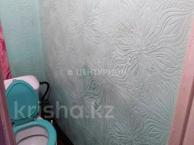 2-комнатная квартира, 48 м², 5/5 этаж, Алии Молдагуловой за 7.3 млн 〒 в Актобе — фото 4