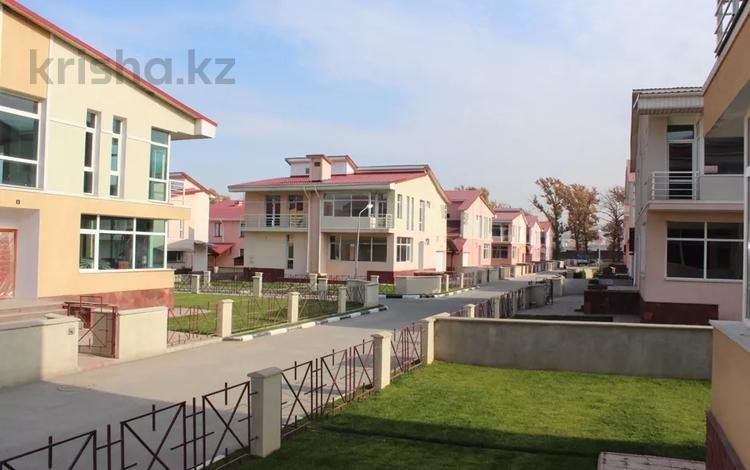 6-комнатный дом, 368 м², 8 сот., мкр Думан-1, Думан-2 за 85 млн 〒 в Алматы, Медеуский р-н
