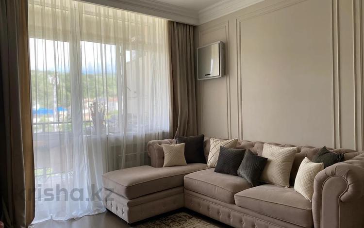2-комнатная квартира, 88 м², 7/8 этаж, мкр Юбилейный, Омаровой за 56.5 млн 〒 в Алматы, Медеуский р-н