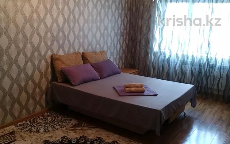 1-комнатная квартира, 53 м², 3/17 этаж посуточно, Мамыр-1 29 — Момышулы за 9 000 〒 в Алматы, Ауэзовский р-н