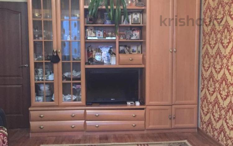 2-комнатная квартира, 58 м², 5/5 этаж, мкр Аксай-3А, Толе Би (Комсомольская) — Яссауи (п.Дружба) (Центральная) за 17.5 млн 〒 в Алматы, Ауэзовский р-н