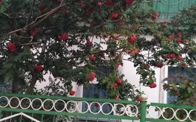 4-комнатный дом, 77.5 м², 4 сот., Пичугина 182 за 23.5 млн 〒 в Караганде, Казыбек би р-н
