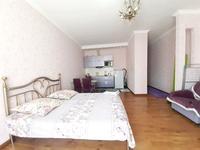 1-комнатная квартира, 45 м², 5/12 этаж посуточно, Достык 13 за 8 000 〒 в Нур-Султане (Астане), Есильский р-н