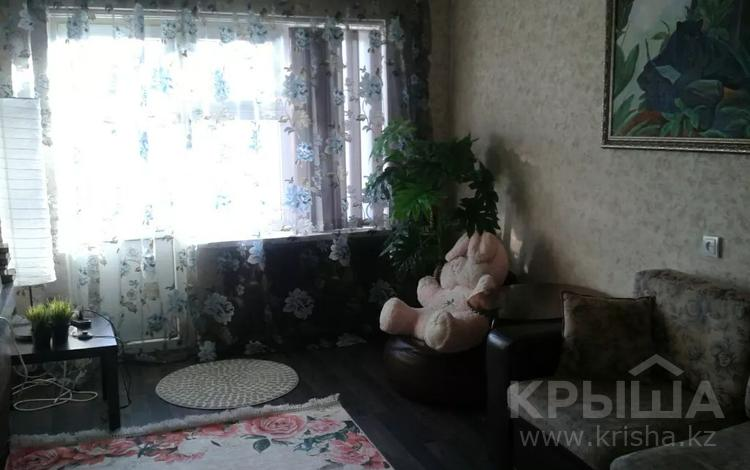 2-комнатная квартира, 50 м², 3/5 этаж посуточно, Пр.Абая 50 — Панфилова за 8 000 〒 в