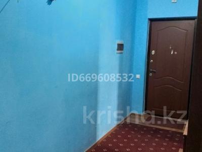 1-комнатная квартира, 54 м², 11 этаж, Туркистан 8 — Керей жәнібек хандар за 25 млн 〒 в Нур-Султане (Астане), Есильский р-н