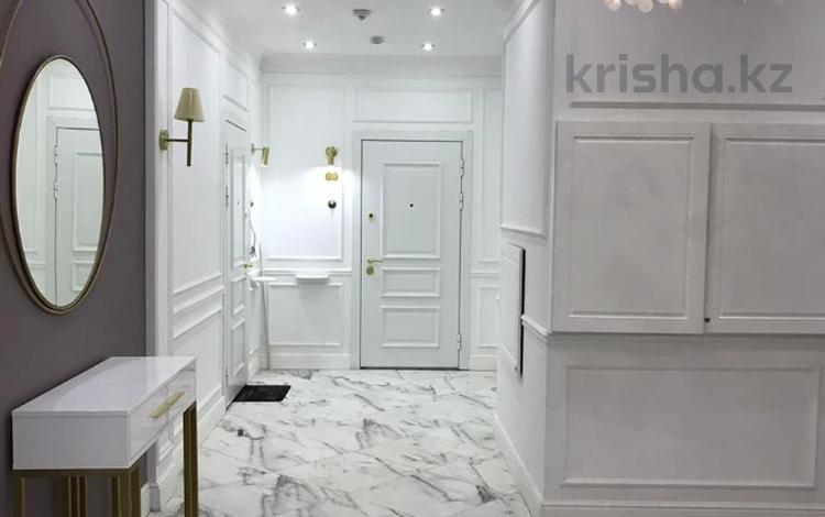 2-комнатная квартира, 70 м², 4/8 этаж помесячно, Мангилик Ел 35 стр за 180 000 〒 в Нур-Султане (Астана), Есиль р-н