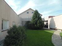 10-комнатный дом, 400 м², 10 сот.