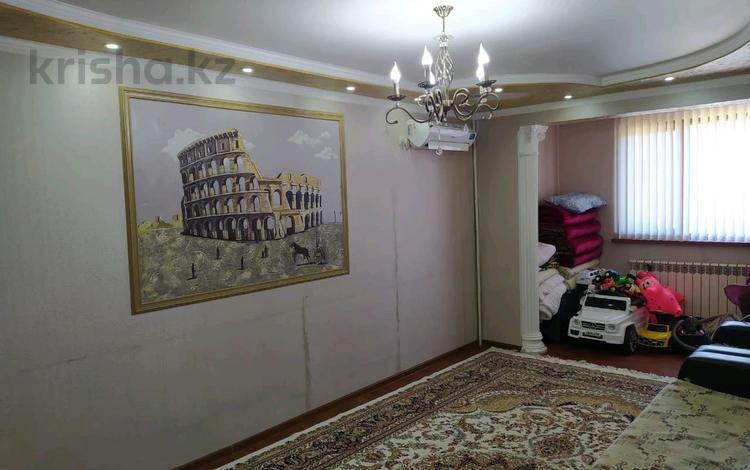 2-комнатная квартира, 54 м², 5/5 этаж, Дархан 25 за 13.2 млн 〒 в Шымкенте, Аль-Фарабийский р-н
