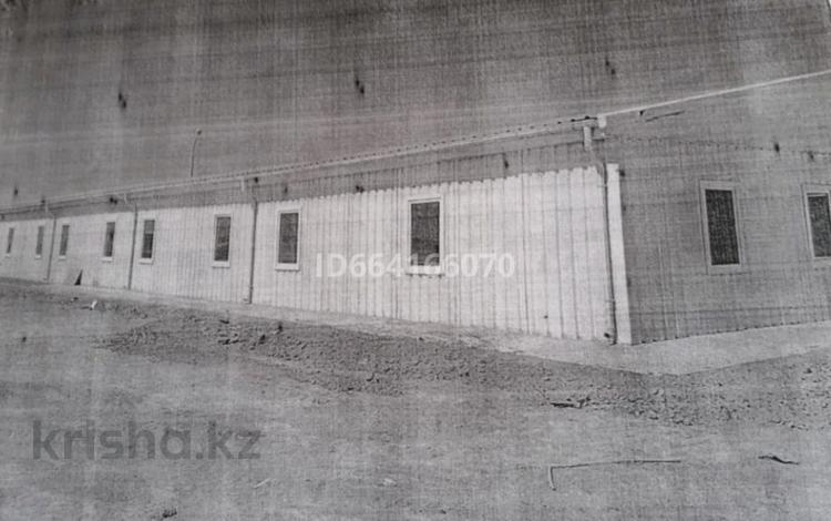 Здание, площадью 850 м², мкр Женис за 8 млн 〒 в Уральске, мкр Женис