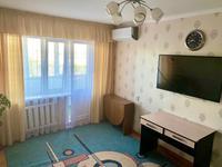 2-комнатная квартира, 50 м², 3/5 этаж посуточно, Сатпаева за 8 000 〒 в Балхаше