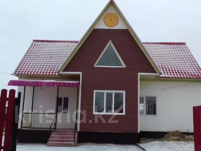 6-комнатный дом помесячно, 150 м², 7 сот., Дуйсен Суесинов за 350 000 〒 в Атырау