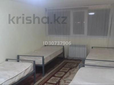 6-комнатный дом помесячно, 150 м², 7 сот., Дуйсен Суесинов за 350 000 〒 в Атырау — фото 2