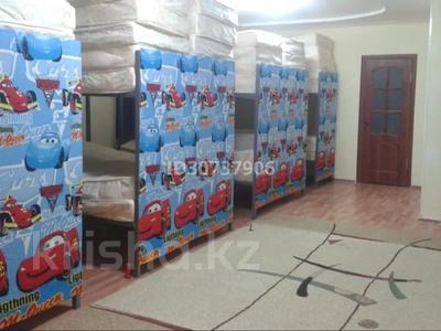 6-комнатный дом помесячно, 150 м², 7 сот., Дуйсен Суесинов за 350 000 〒 в Атырау — фото 3