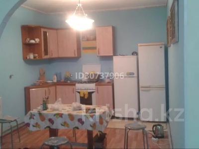 6-комнатный дом помесячно, 150 м², 7 сот., Дуйсен Суесинов за 350 000 〒 в Атырау — фото 4