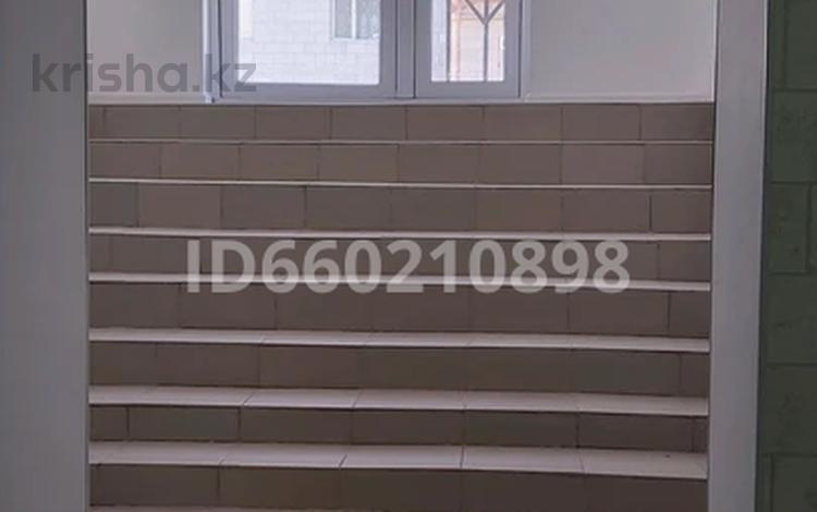 Помещение площадью 64 м², 32-й мкр, 32в мкр 7 за ~ 8.3 млн 〒 в Актау, 32-й мкр