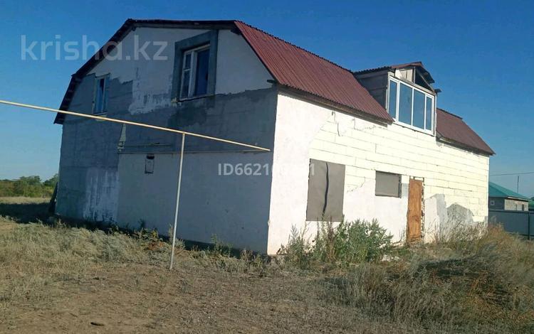 10-комнатный дом, 336 м², 12 сот., Оскен Кумыска 57 за 8 млн 〒 в Уральске