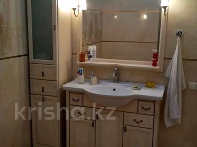 3-комнатная квартира, 120 м², 5/7 этаж, Искалиева 233 за 49 млн 〒 в Уральске — фото 7