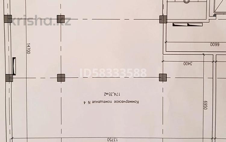 Помещение площадью 175 м², 19-й мкр 108 за 500 000 〒 в Актау, 19-й мкр