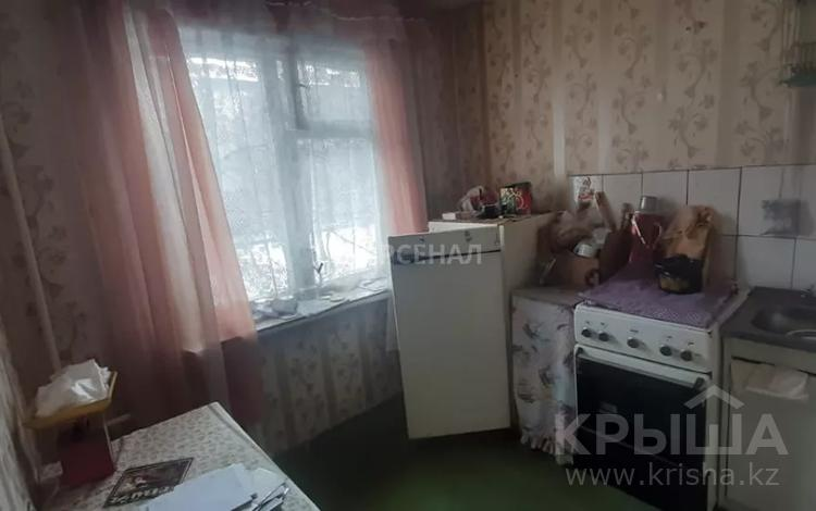 1-комнатная квартира, 33 м², 2/4 этаж, мкр №5 за 13 млн 〒 в Алматы, Ауэзовский р-н