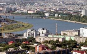 2-комнатная квартира, 45 м², 4/2 этаж помесячно, Махамбета 118б — Азаттык за 85 000 〒 в Атырау