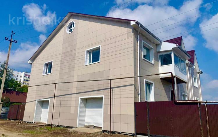 8-комнатный дом, 733 м², 6 сот., Комарова 8 за 35 млн 〒 в Костанае