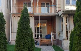 5-комнатный дом помесячно, 230.2 м², 1 сот., 6-я линия 220 за 500 000 〒 в Алматы, Наурызбайский р-н