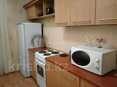 1-комнатная квартира, 38 м², 9/12 этаж посуточно, Казахстан 70 за 8 000 〒 в Усть-Каменогорске — фото 4