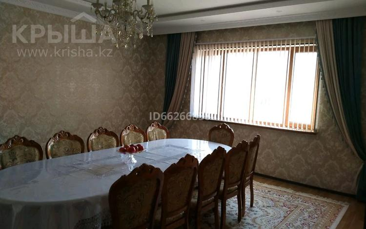 9-комнатный дом, 250 м², 0.008 сот., мкр Акниет, Акедил 25 — Алматинский трасса за 45 млн 〒 в Шымкенте, Абайский р-н