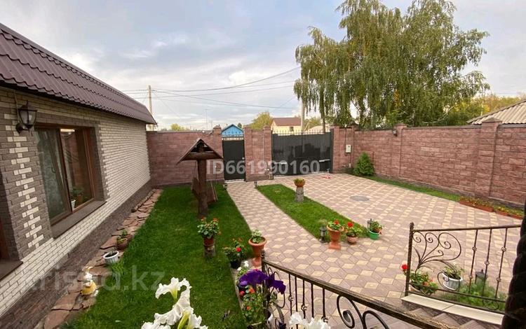 7-комнатный дом, 400 м², 6 сот., Курская за ~ 70 млн 〒 в Павлодаре