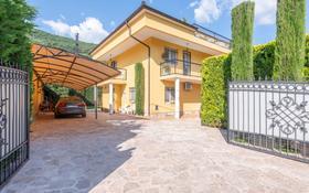 7-комнатный дом, 340 м², 9 сот., Budva за 216 млн 〒 в Будве
