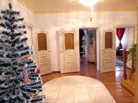 5-комнатный дом, 400 м², 10 сот., Контейнерный за 35 млн 〒 в Атырау