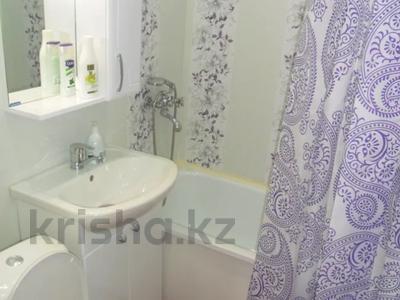 2-комнатная квартира, 56 м², 2/5 этаж посуточно, Дзержинского 4 за 8 500 〒 в Усть-Каменогорске — фото 10