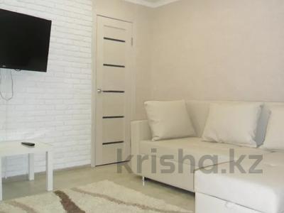 2-комнатная квартира, 56 м², 2/5 этаж посуточно, Дзержинского 4 за 8 500 〒 в Усть-Каменогорске — фото 2