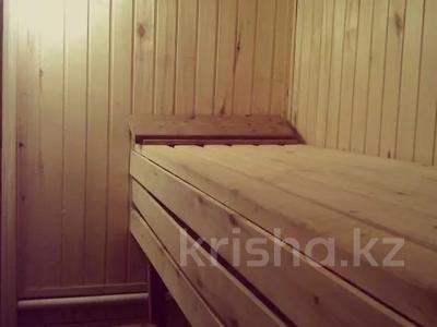 7-комнатный дом, 190 м², 15 сот., Нуринская за 25 млн 〒 в Темиртау — фото 2