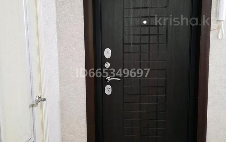 3-комнатная квартира, 62.2 м², 5/5 этаж, мкр Юго-Восток, 30й микрорайон 25 — Гапеева за 18 млн 〒 в Караганде, Казыбек би р-н