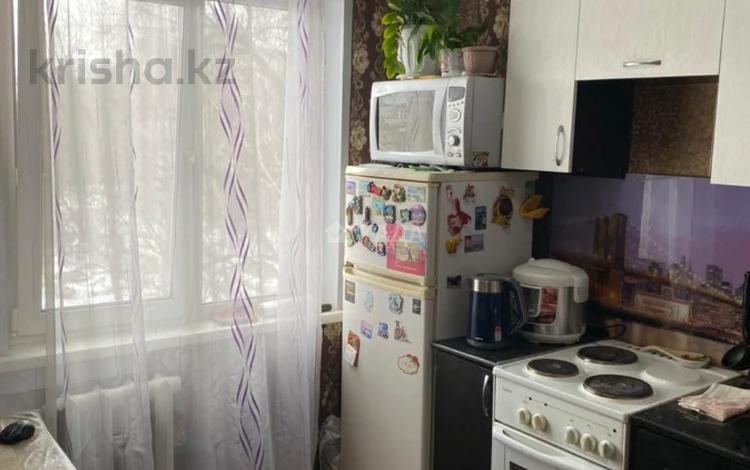 2-комнатная квартира, 46 м², 3/5 этаж, Бурова 41 за 13.5 млн 〒 в Усть-Каменогорске