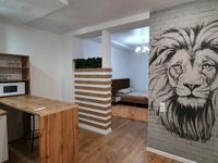 1-комнатная квартира, 38 м², 1/5 этаж посуточно, 11-й мкр 10 за 14 900 〒 в Актау, 11-й мкр