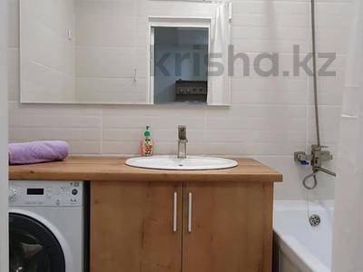 1-комнатная квартира, 38 м², 1/5 этаж посуточно, 11-й мкр 10 за 12 900 〒 в Актау, 11-й мкр