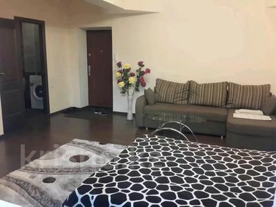 1-комнатная квартира, 40 м², 2/5 этаж посуточно, Гоголя — Панфилова за 5 000 〒 в Алматы, Алмалинский р-н — фото 2